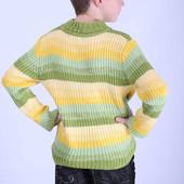 Свитер для мальчика из вязаного трикотажа.