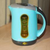 Игрушечный чайник