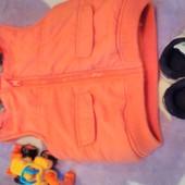 Пакет одягу:Жилетка George і кросівки Nike 20р. для хлопчика або дівчинки. Доставка безкоштовна!