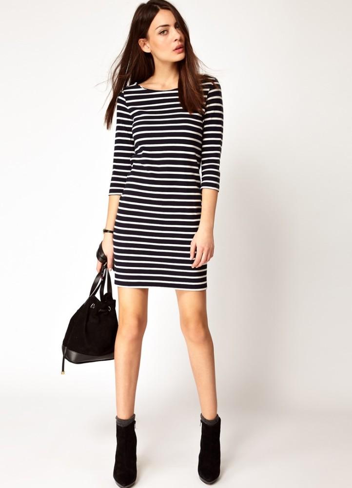 Платье в полоску из трикотажа с чем носить