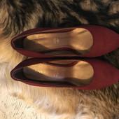 Туфлі із натуральної замші від Andre, розмір 37