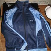 Спортивный костюм Адидас. Есть немного утепления по кофте внутри. 4 - 7 лет. Замеры.