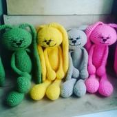 Очень милые и яркие зайки :) Одна игрушка на выбор.