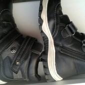 Ботинки,сапоги зимние на мальчика. стелька 19,5