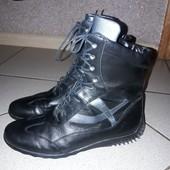 кожаные высокие ботинки(утепленные)смотрите описание
