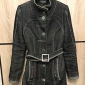 Дуже класне демісезонна пальто 40%шерсть, 50% котон розмір С або 42 наш