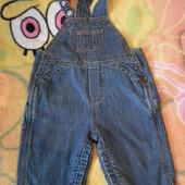 Отличный джинсовый комбинезон Gap на 6-12мес, можно до 1,5 года на котоновой подкладке,дл-61,шаг-18