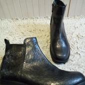 Ботинки із натуральної шкіри 39 р-р і устілка 25 см. Відмінний стан.