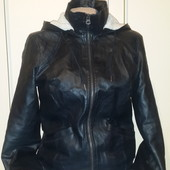 Утеплённая курточка из качественной эко кожи!Нюанс!Замеры.