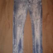 Готовимся к лету!!Фирменные джинсы скини в идеальном состоянии 30/32