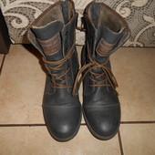 Демисезонные утепленные ботинки в отличном состоянии, стелька - 25см.