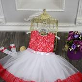 Праздничное платье для девочки +перчатки -3-5 лет