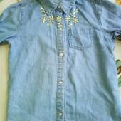 Джинсовая рубашка на 9-11 лет.