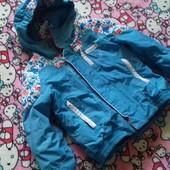 Обалденная фирменная термо куртка,4 года