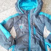 Осень-весна куртка на мальчика 4-5лет.