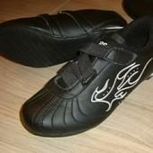 Чёрные кроссовки в идеале со стразами