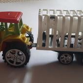 Трактор инерционный с прицепом и животным внутри для юного фермера !
