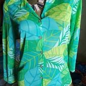 Яркая фирменная  блуза
