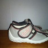 Закриті сандалі Waldi,розмір 24(устілка 15.5см)