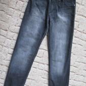 Классные  стильные джинсы на  р  27состояние отличное!