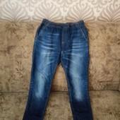 Стильные молодежные джинсы на резинке со шнурком, размер S