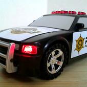 Красочный полицейский автомобиль со звуком и светом