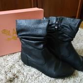 Демисезонные ботинки кожа ,фирма Anona, стелька 23 см