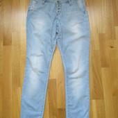 Стильні джинси бойфренди, в ідеальному стані.