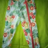 легусенькие штаны/капри/бриджи га 2,5-3,5 года, см.замеры