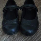 Кожаные туфельки Clarks. 17 см стелька