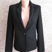 Черный пиджак с подлокотниками от asos! размер s(36)