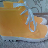 Модные, яркие силиконовые ботинки!!!Качество отличное!!! размер 36,37,38