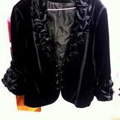 Велюровый пиджак в отличном состоянии размер ( 58-60) Не сток и не секонд