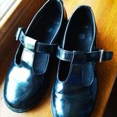 Школьные туфли Clarks 32 размер