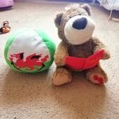 Ведмедик казкар подарунок мячик