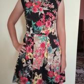 Нарядное платье для девочки 13-15лет Одето было 1 раз