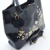 Классная лаковая сумка