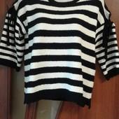 Фирменный свитер с открытыми плечами р. S, M
