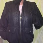 куртка женская adidas 44размер. б.у. отличное состояние