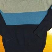 Тонкий вязанный свитер.6-8 лет.