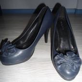 Туфлі(розмір 39)устілка 25см