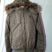 Качественная, фирменная куртка.