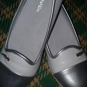 Шикарные туфли р.35