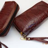 Набор кошелек+ косметичка под кожу крокодила с ремешком