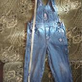 Комбинезон джинсовый для мальчика на 2-3 г смотрите все лоты много одежды на этот возраст