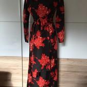 Дуже стильне плаття в стані нового)