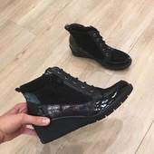 Осінні черевички від Tamaris!!! 37-й розмір, 24 сантиметри устілка. Нові,