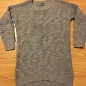Бомбовский длинный свитер фирменный.