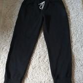 Спортивные штаны размер 46-48,дефект!