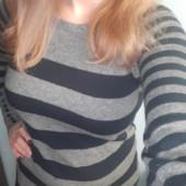Тёплый свитер 100% шерсть в полоску в идеале смотрим замеры!!!